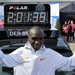 Eliud Kipchoge destroza el récord mundial de maratón